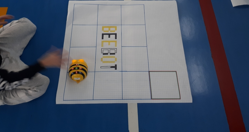 bee-(2).jpg